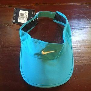 NWT Womens Nike Visor